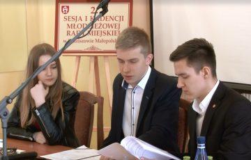 Młodzi radni aktywni podczas sesji