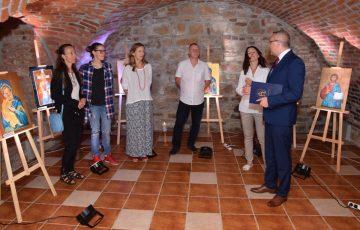 W podziemiach sędziszowskiego Ratusza otwarto wystawę ikon
