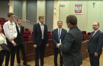 Młodzi radni z wizytą w sejmiku województwa podkarpackiego