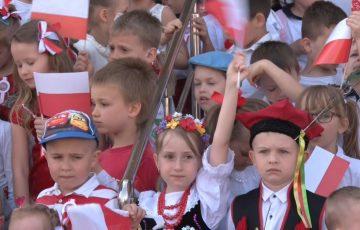 Najmłodsi świętowali dzień flagi