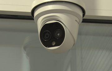 Kamera mierzy temperaturę w urzędzie